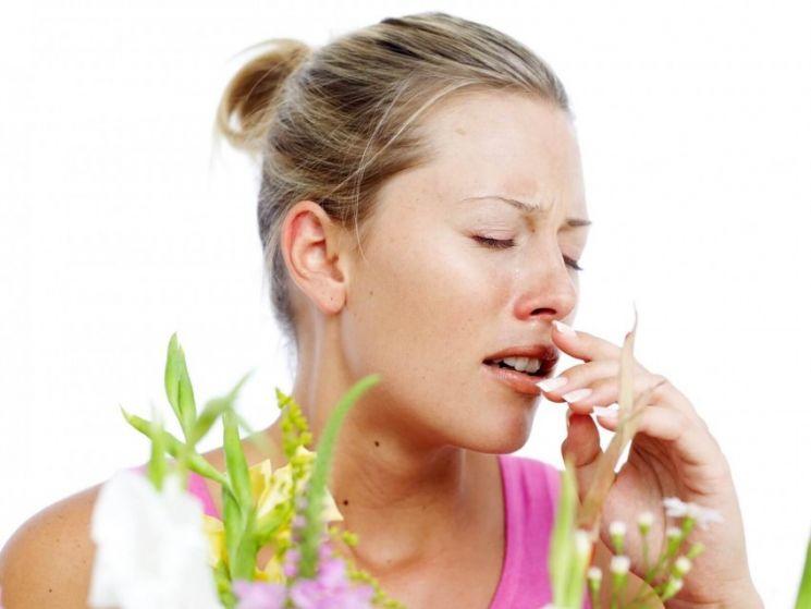 Как проявляется аллергия на пыль