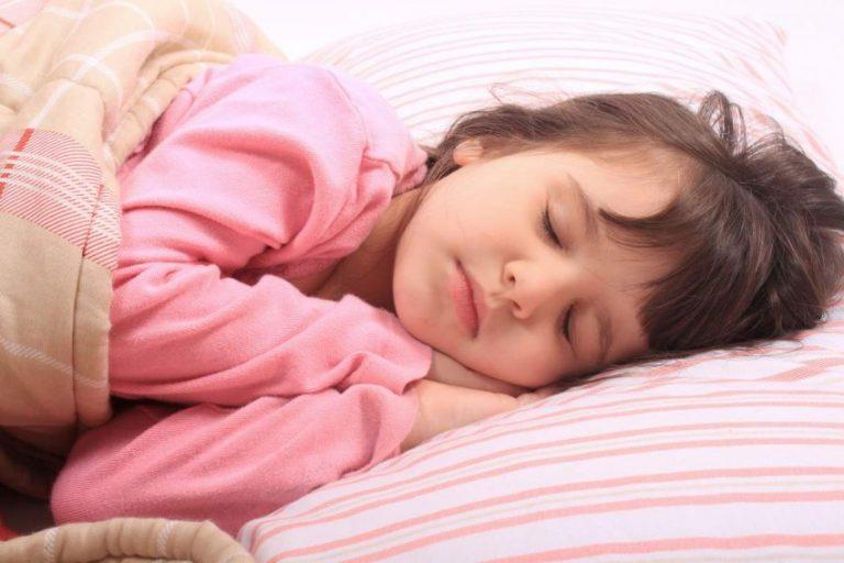 При лечении кашля у ребенка также можно воспользоваться представленными средствами при лечении ребенок должен соблюдать специальную диету.