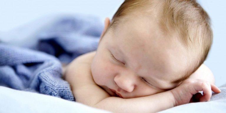 Стоит помнить, что маленькие дети имеют свои особенности организма — он все еще формируется, порой выдавая поводы для беспокойства.